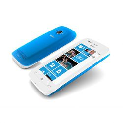 Nokia 710 02